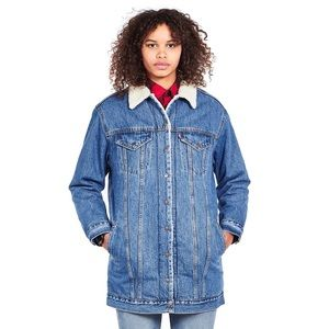 Levi's Lengthened Sherpa Trucker Jacket